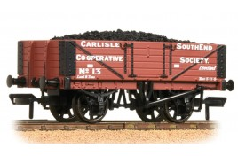 5 Plank Wagon Wooden Floor 'Carlisle Co-Op' with Load OO Gauge