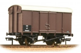 12 Ton Southern Plywood Ventilated Van SR Brown OO Gauge