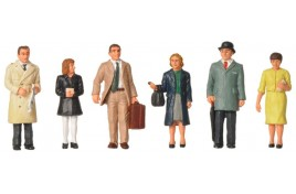 1960/70s Standing Station Passengers N Scale