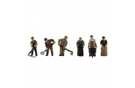 Post-war Farming Figures N Gauge