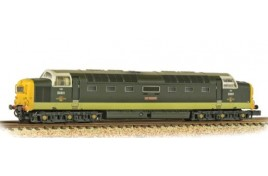 Class 55 D9001 'St. Paddy' BR Two-Tone Green (Weathered) N Gauge