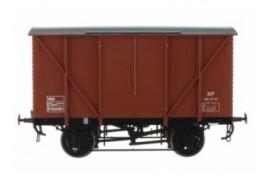 10' Chassis Wagon B764483 Plywood Van Bauxite O Gauge