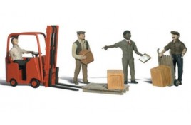 Workers With Forklift HO Scale