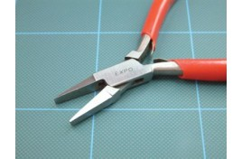 Flat Nose Plier with Plain Jaws