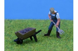 Farmer with Pitchfork & Wheelbarrow OO Scale