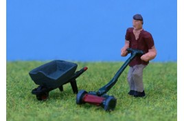 Gardener with Lawn Mower & Wheelbarrow OO Scale