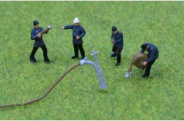Fire Crew x 4 with Hoses 1950/1960s Painted OO Scale