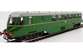 AEC Railcar BR Green W/Speed Whiskers White Roof OO Gauge