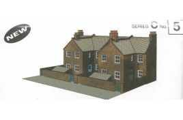 Low Relief Card Kit - Four Redbrick Terrace Backs OO Scale