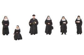 Nuns (5) & Parson (1) Figure Set HO/OO Gauge