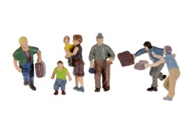 People Climbing Stairs x 4 Adults & 2 Children OO/HO Scale
