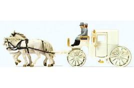 Horse Drawn Wedding Coach (Closed) -  OO Scale