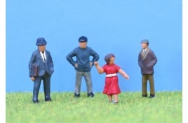 Standing People OO Gauge