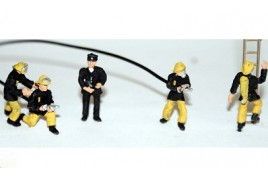1980s Fire Fighters x 5 Painted OO Scale