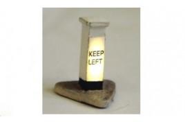 Illuminated 'Keep Left' Bollard OO Scale