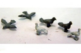 Doves & Pigeons x 6 Painted - OO Scale