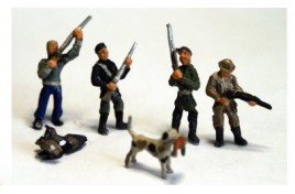 Hunters with Shotguns x 4 and 2 Gun Dogs (Painted) OO Scale