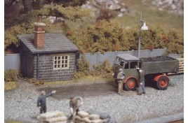 Weighbridge & Hut Plastic Kit OO Scale