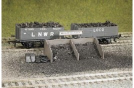 Coal Staithes Plastic Kit OO Scale
