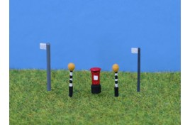 Belisha Beacons, Bus Stop & Post Box - Painted N Scale