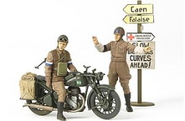 MILITARY MINIATURES BRITISH BSA M20 MOTORCYCLE WITH MILITARY POLICE SET 1/35 SCALE