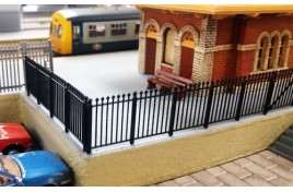 Mortimer GWR Spear Station Fencing