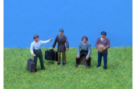 People with Luggage x 4 - Painted OO Scale