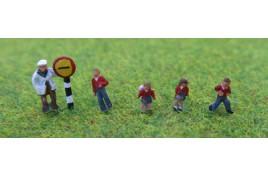 School Children x 4 & Crossing Patrol Man - Painted N Scale