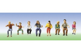 Fairground Figures Set 3 x 8 Figures Sitting OO/HO Scale