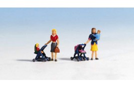 Mothers, Babies & Pushchairs x 2 ea OO/HO Scale