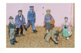 1950s onwards Standing Figures x 6 (set 2) Painted  OO Scale