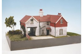 Black Horse Inn Plastic Kit Craftsman Series OO Scale