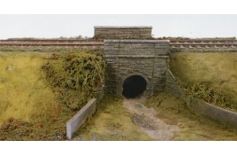 Cattle Creep (or Culvert) Stone Type Arches & Abutments Plastic Kit OO Scale