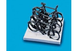 Bicycles x 4 & Stand OO Scale