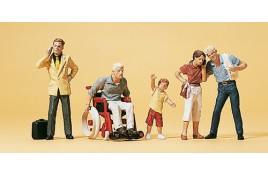 Pedestrians/ Passengers x 5 with 1 in Wheelchair OO/HO Scale
