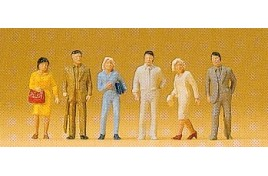 Japanese Pedestrians/ Passengers x 6 OO/HO Scale
