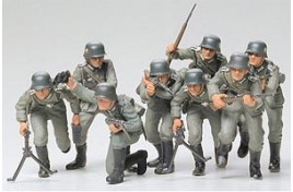 MILITARY MINIATURES GERMAN ASSAULT TROOPS INFANTRY 1/35