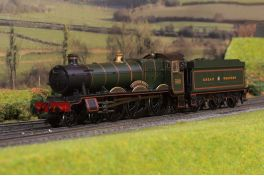DCC Fitted  Collett Hall Class 4-6-0 GWR Green 4953 'Pitchford Hall' (Buffers Exclusive)