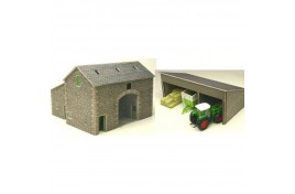 Manor Farm Barn Card Kit OO Scale
