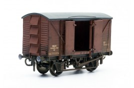 BR 10T Ventilated Meat Van Plastic Kit OO Scale