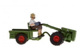 Two Wheeled Tractor & Driver OO/HO Scale