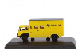 Bedford TK Crew Bus British Rail Maintenance Yellow OO Scale