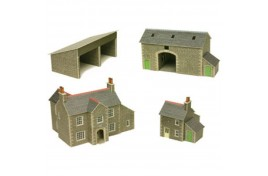 Manor Farm Card Kit N Scale