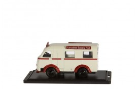 Austin K8 Threeway Van Lancashire Evening Post OO Scale